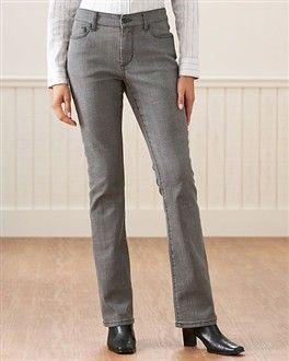 Ofis için uygun bir seçim. Orantılı bir vücudunuz varsa, yüksek bel ve düz kesim pantolonlar giyin.  Nerelerde bulabilirsiniz?  Park Bravo, İpekyol, Boyner
